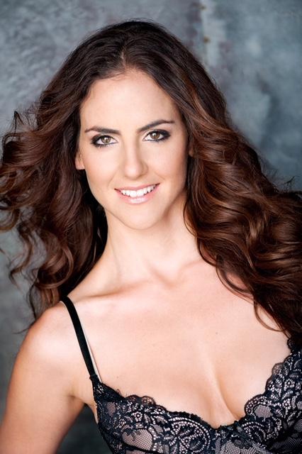 Julia Limonchi 6